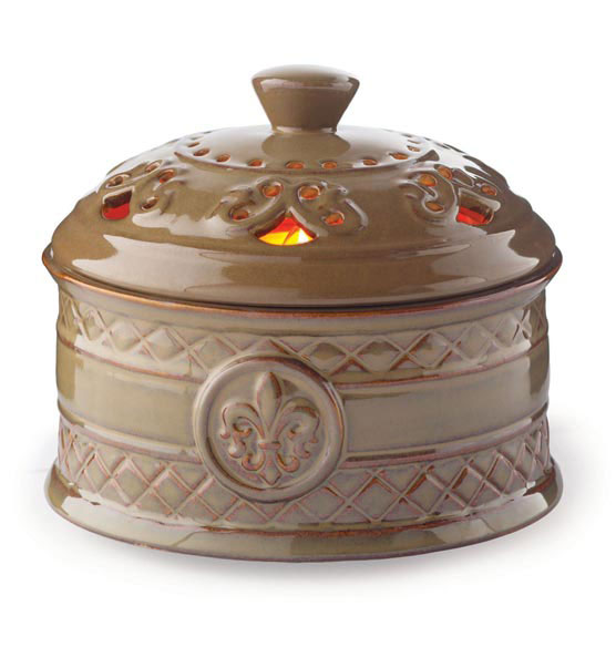 Fleur de Lis Candle Aire® Fan Fragrance Warmer - View 2