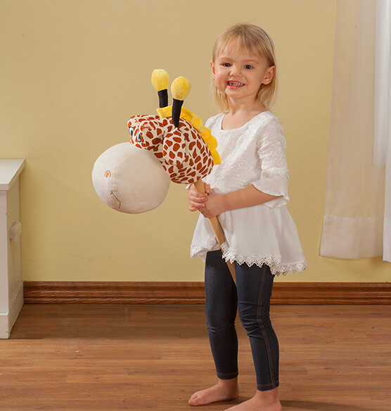 Personalized Children's 2-in-1 Giraffe Chair - View 3