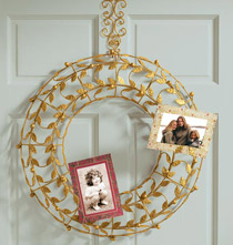 Berry Wreath Card Holder